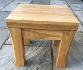 Solid Oak side/coffee/occasional table for lounge/dining room/kitchen/bedroom/Hall