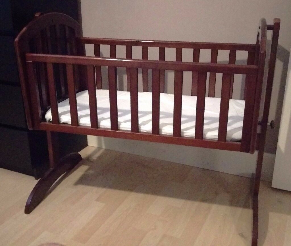 OBaby Sophie Swinging Crib and Mattress - Walnutby