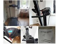 Folding motorised treadmill