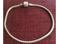 100 % genuine Pandora bracelet 22 cm long