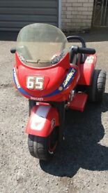 Peg Peregio 6 V Quad Bike Ducati