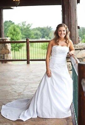 Davis's Bridal Wedding Dress- Size 2P- Taffeta A-Line With Beaded/Lace Bust Beading Taffeta Wedding Dress