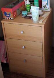 FURNITURE SALE / Small chest of drawers–Brent Cross