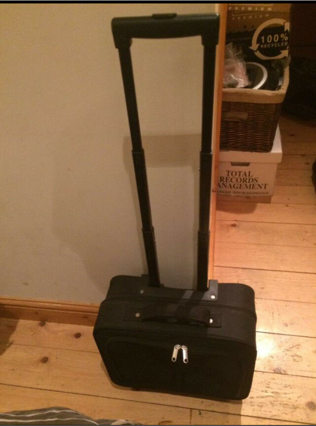 Laptop/file wheeled case with extendable handle