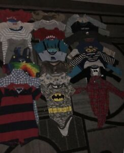24 boy onesies size 12 12-18 months for 20$