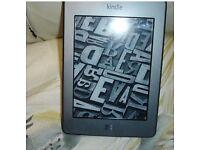 Amazon Kindle Touch 4GB, wifi .