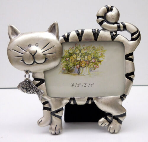 CAT PHOTO FRAME, SMALL, PEWTER, FISH CHARM, ITEM 1402