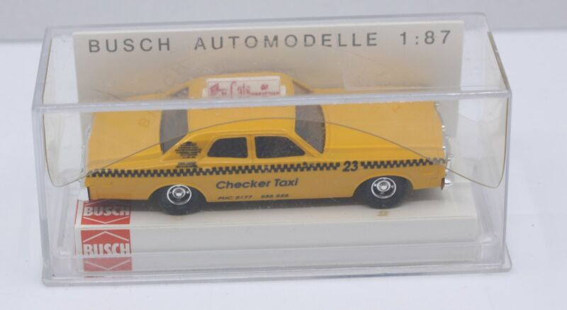 Busch 46607 1:87 Dodge Monaco Taxi checker