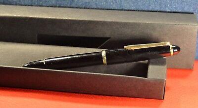 "SENATOR  Black/GT Iridium Nib ""M"" Piston filled German Fountain pen circa 1969's"