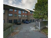 1 BED STUDIO FLAT IN BECKTON £950 **PART DSS ACCEPTED** CALL TODAY!!!