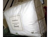THIS IS A LUXURIOUS SOAK & SLEEP - MICROFIBRE DUVET- KING SIZE - 9 TOG - BRAND NEW