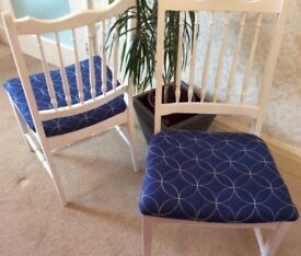 4 beautiful shabby chic dining chairs blue and white £20 each