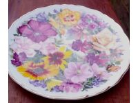 Queen Mother's Bouquet plate - Royal Albert - fantastic condition