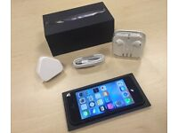 Boxed Black Apple iPhone 5 16GB On O2 / GiffGaff / Tesco Networks + Warranty