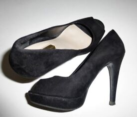 "DOROTHY PERKINS Black ""suede"" Peep-toe 4.75 in stiletto Shoes - size 4"
