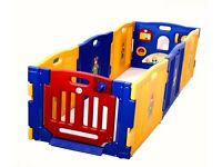 Large playpen (brand new) with free safety mats