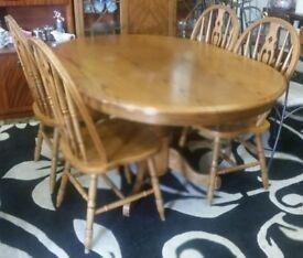 Medium Oak Single Pedestal Dining Table & Four Chairs
