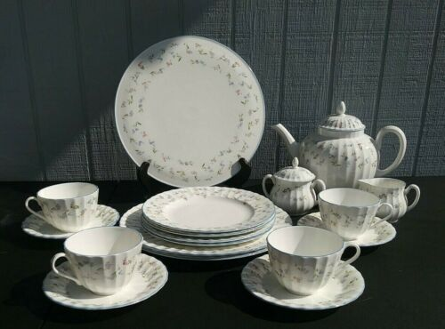Royal Worcester FORGET-ME-NOT BLUE 20 Pc Set
