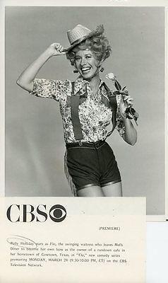 POLLY HOLLIDAY SMILE WEARS SHORTS PORTRAIT FLO TV SHOW ORIGINAL '80 CBS TV PHOTO (Flo Tv-show)