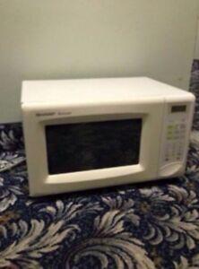 SHARPE white microwave