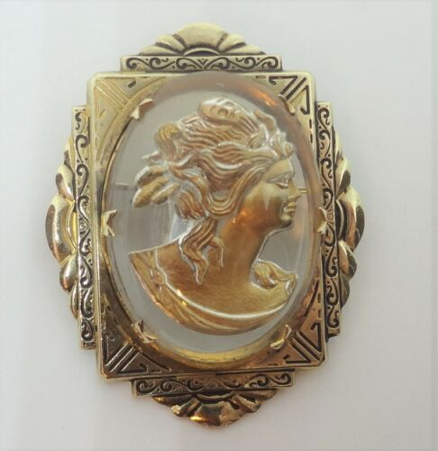 Vintage Dome Glass Reverse Painted Intagio Cameo Brooch