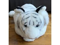 Large tiger soft toy in vgc.