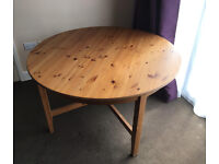 Pine Extending Dining Table, Very Good condition. £50. Seats 4-6