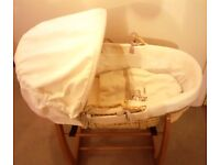 MOSES BASKET WITH 2x MATTRESSES AND STAND - MAMAS AND PAPAS