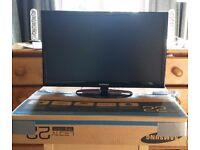 "Samsung Series 5 UE22D5003BW 22"" 1080p HD LED Television"