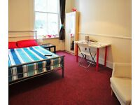 BRIGHT BIG SINGLE ROOM (double bed) CLEANER, WIFI, BILLS INCLUDED