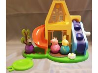 Peppa Pig Weebles, Peppa's Tree House Play Set with Peppa, Rebecca and Danny Weeble Figures