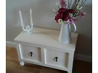 Ottamon, blanket, bed box, side table - Shabby chic, upscale chest