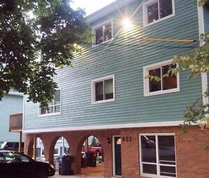 4 Bedroom Apartment - McLean St - May 1 2017 - $650 All In