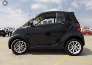 Smart car mint condition very reliable and cheap on gas