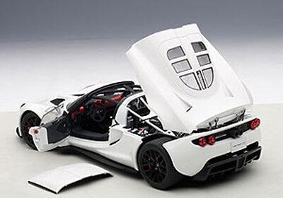 Autoart Hennessey Venom Gt Spyder White In 1 18 Scale  New Release  In Stock