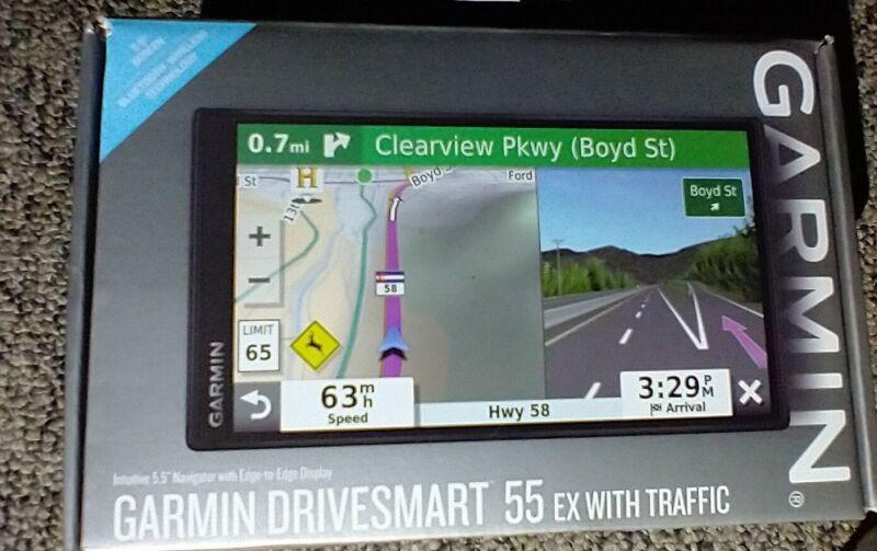 BRAND NEW Garmin GPS Drive Smart 55 EX With Traffic