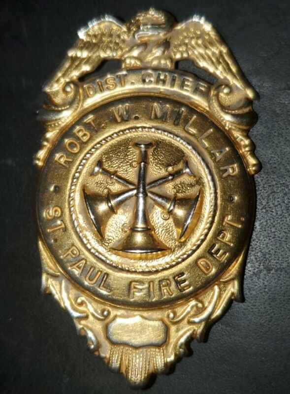 ST PAUL MINNESOTA DISTRICT FIRE CHIEF BADGE, COLLAR PINS, IAF.  PIN ROBT MILLAR