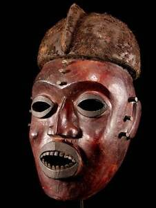 Maske-Widekum-mit-Hautbezug-Kamerun-incl-Stand