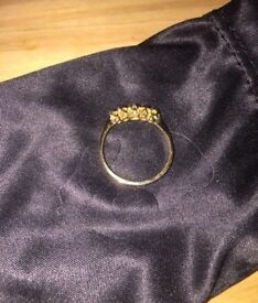 18CT SOLID GOLD RING