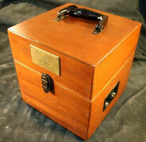 Vintage Electrocardiograph Cambridge Instrument in Wood Case Medical Equipment