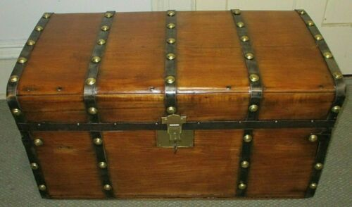 ANTIQUE STEAMER TRUNK VINTAGE VICTORIAN JENNY LIND STAGECOACH CHEST TRAY&KEY