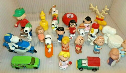 Big Peanuts Snoopy Figurine Collection + Assorted Same Vintage Themed Toys ~Cool