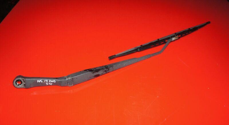 LEXUS IS200 IS300 2004 NEAR SIDE PASSENGER SIDE WINDSCREEN WIPER ARM WITH BLADE