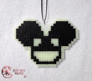 Deadmau5-4x4-12-Glow-in-the-Dark-Black-Necklace-Bead-Sprite-Perler-Art