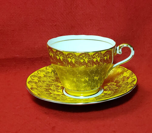 AYNSLEY YELLOW CUP & SAUCER GOLD CHINTZ C869 MADE IN ENGLAND