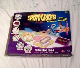ORIGINAL SPIROGRAPH NEW GENERATION STUDIO SET IN GOOD CONDITION.