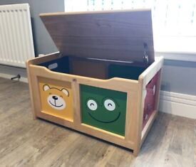 Wooden Toy Box - GREAT CONDITION