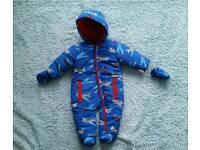Brand new snowsuit 3-6 Honour & pride
