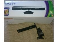 Kinect for xbox 360 with game and bracket