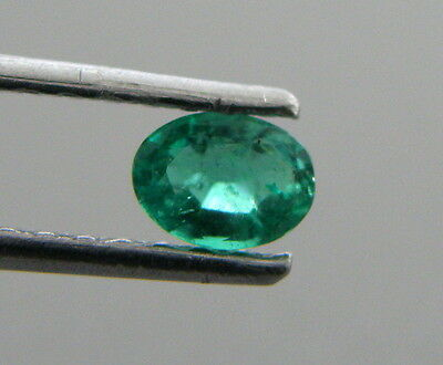 (5x3mm OVAL CUT LOOSE NATURAL GREEN COLOMBIAN EMERALD)